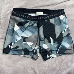 Under armor spandex shorts